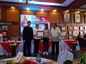 Congratulations Mayor Nora T. Modomo and Santa Ignacia for recieving an Award of Appreciation during Tarlac Provincial Blood Council 10th Awarding Ceremonies (10)