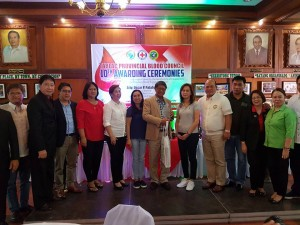 Congratulations Mayor Nora T. Modomo and Santa Ignacia for recieving an Award of Appreciation during Tarlac Provincial Blood Council 10th Awarding Ceremonies (14)