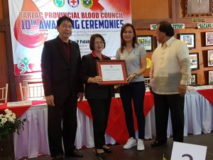 Congratulations Mayor Nora T. Modomo and Santa Ignacia for recieving an Award of Appreciation during Tarlac Provincial Blood Council 10th Awarding Ceremonies (17)