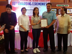 Congratulations Mayor Nora T. Modomo and Santa Ignacia for recieving an Award of Appreciation during Tarlac Provincial Blood Council 10th Awarding Ceremonies (9)