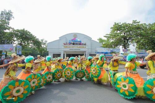 16 powerful images during 1st KanLahi Festival Street Dancing Competition (1)