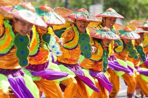 16 powerful images during 1st KanLahi Festival Street Dancing Competition (13)
