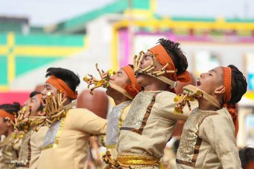 16 powerful images during 1st KanLahi Festival Street Dancing Competition (16)
