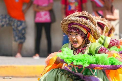 16 powerful images during 1st KanLahi Festival Street Dancing Competition (7)