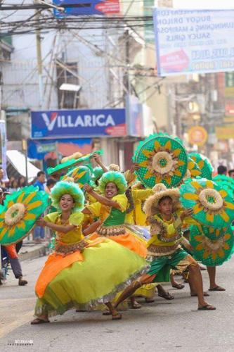 16 powerful images during 1st KanLahi Festival Street Dancing Competition (8)