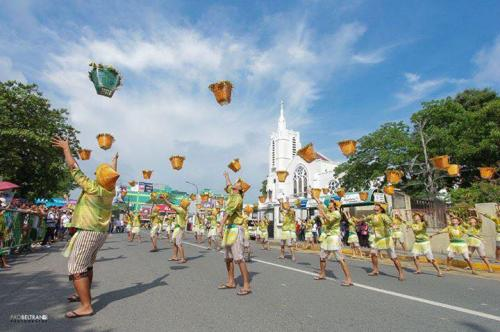 16 powerful images during 1st KanLahi Festival Street Dancing Competition (9)