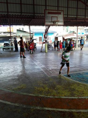 1st day of Basic Basketball Clinic  Training ng mga Under 12 Years Old sa Santa Ignacia Covered Court (1)