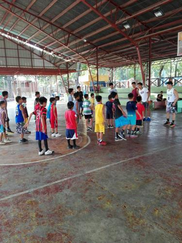 1st day of Basic Basketball Clinic  Training ng mga Under 12 Years Old sa Santa Ignacia Covered Court (2)