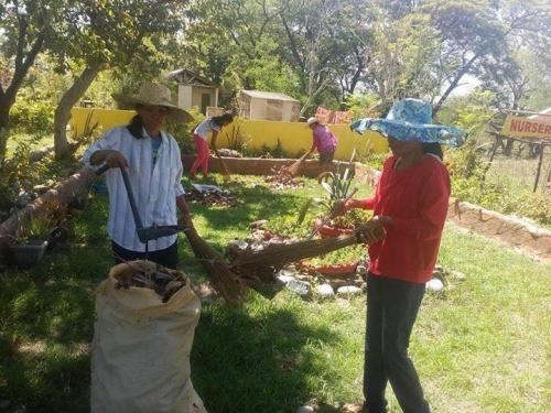 Brigada Eskwela 2017 (Random Pics) - Santa Ignacia Tarlac (16)