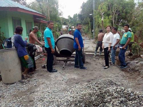 Inspection of concreting of barangay road at Poblacion East - Santa Ignacia (3)