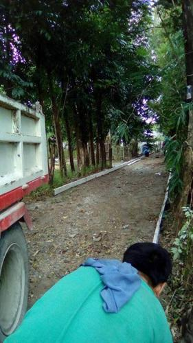 On going aconcreting of Brgy.Road, Brgy. Caanamongan, Purok Norte