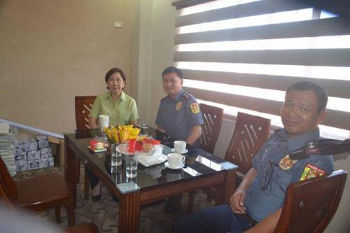 PSSUPT Ritchie Medardo Posadas, Tarlac Provincial Police Office OIC,paid a courtesy call to Mayor Nora Modomo (10)