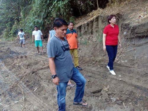 Ang paghuhukay desilting sa Bayating River sa Barangay San Francisco (1)