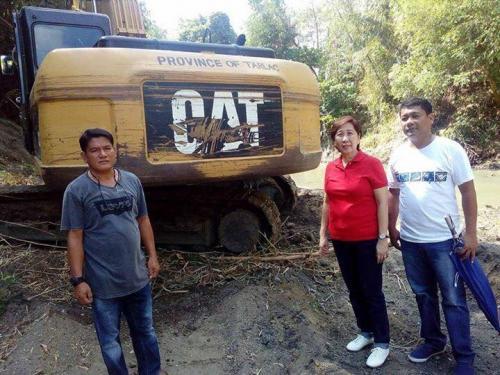 Ang paghuhukay desilting sa Bayating River sa Barangay San Francisco (2)