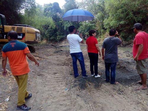 Ang paghuhukay desilting sa Bayating River sa Barangay San Francisco (3)