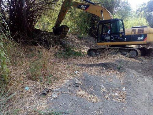 Ang paghuhukay desilting sa Bayating River sa Barangay San Francisco (5)