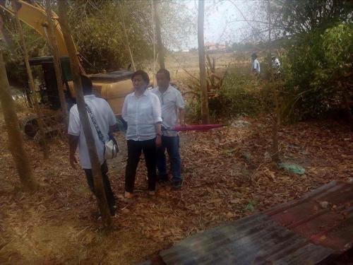 Personal na ininspeksyon ng ating Mayor, Nora T. Modomo ang kasalukuyang pag-dissilting sa Cabatuan Creek (6)