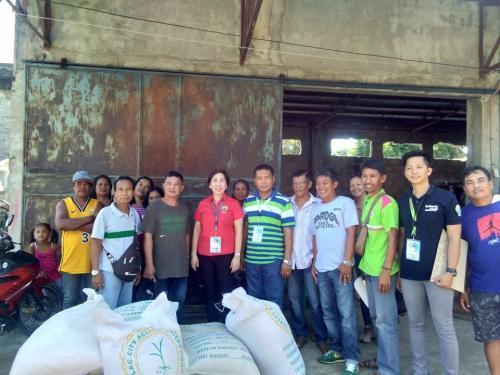 Pagbibigay ng Binhi sa mga Magsasakang Miyembro ng 31 na Farmer Associations / Cooperatives / Irrigators Group