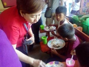 BUKAS NA PANGARAP FEEDING PROGRAM (8)