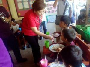 BUKAS NA PANGARAP FEEDING PROGRAM (9)